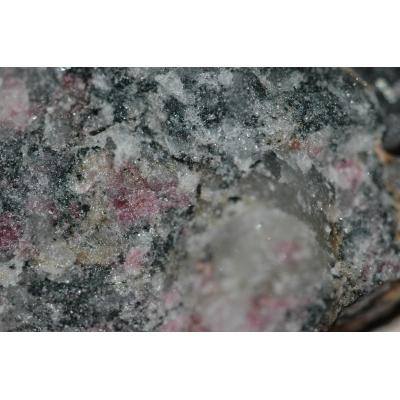 Zirkonium erts - Eudialyiet